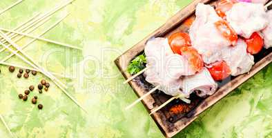 Marinated raw kebabs for barbecue