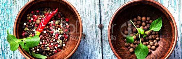 Different kinds of peppercorns.