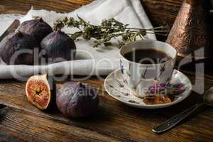 Coffee break with ripe and juicy figs.