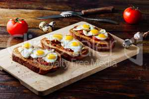 Bruschettas with Fried Quail Eggs