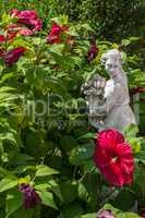 Garden detail with fortuna sculpture