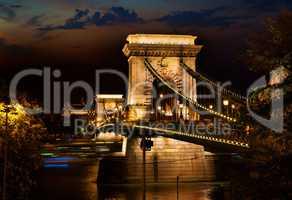 Night over Chain bridge