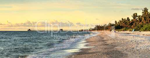Cold winter day at old Naples Pier