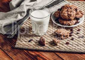 Milk with Oatmeal Cookies
