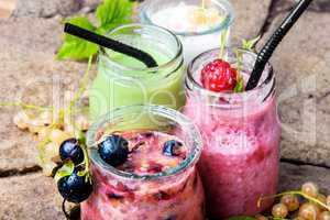 smoothie drink from currant