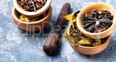 Set of dried medicinal plants