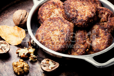 Vegetarian cutlet from walnut