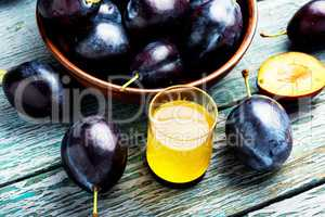 Plum alcoholic beverage