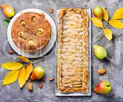 Pear pie with almonds