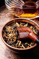 Tobacco pipe and alcohol