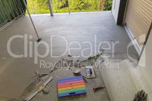Balcony floor tiles installation