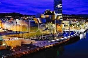 Bilbao - Guggenheim w Mamam