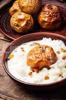 Rice porridge with apples
