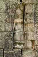 Bas-relief of woman with crown on wall