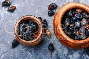 Dry berry rose hips