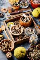 Set healing herbs