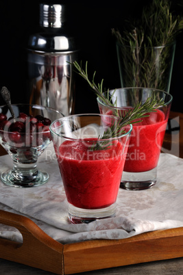 freshly squeezed cranberry smoothie