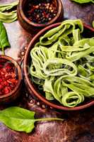 Vegetable noodles from spinach