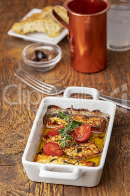 Feta-Käse in Olivenöl gegrillt