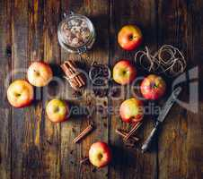 Apples with Different Spices.