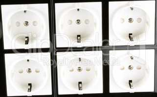 Many Wall Outlet