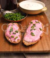 Organic curd with beetroot