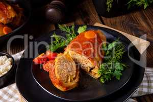 Roasted cabbage rolls with rice and minced meat according to the