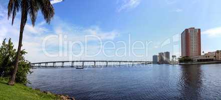 Edison Bridge over the Caloosahatchee River in Fort Myers