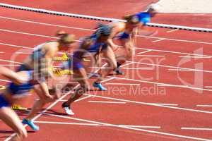 100 m sprint of the ladies in stadium