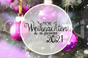 Blurry Chrismas Tree, Pink Ball, Glueckliches 2021 Mean Happy 2021, Snowflakes